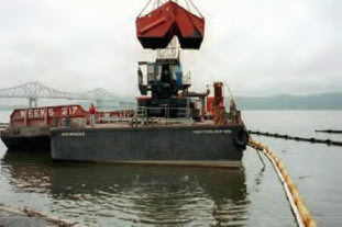 turbidity curtain for dredging barge